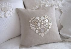Many Shabby style creations made with jute cloth and buttons - The Italian blog on the Shabby Chic and beyond