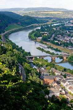 Mosel River in Germany✔
