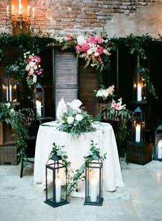 Organic summer New Orleans wedding decor: http://www.stylemepretty.com/louisiana-weddings/new-orleans/2016/10/03/modern-colorful-new-orleans-destination-wedding/ Photography: Julie Paisley - http://juliepaisley.com/