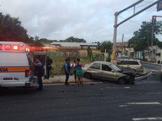 Dos heridos por accidente de auto en Barrio Obrero