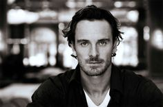 Michael Fassbender may replace Christian Bale in the Steve Jobs movie written by Aaron Sorkin - got that? Chris Pratt, Chris Evans, Michael Fassbender 300, Christian Bale, Assassin's Creed Film, Creed Movie, Steve Jobs, Assassins Creed, Dustin Hoffman