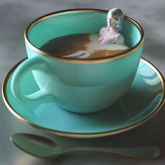 un_cafe_allonge. Good Morning Coffee, Coffee Break, Coffee Quotes, Coffee Humor, Coffee Cafe, Coffee Shop, Coffee Pics, Merci Gif, Pause Café