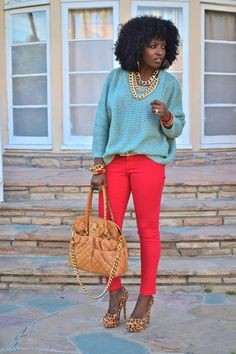 I adore the gold accessories in this look! Check out those pumps, too.