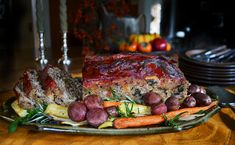 The best meatloaf you'll ever make, so simple and delicious. So says Andrew Zimmern Beef Recipes, Italian Recipes, Cooking Recipes, Meatloaf Recipes, Healthy Recipes, Andrew Zimmern, Best Meatloaf, Beef Dishes, Southern Recipes