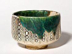 beautiful chawan ( tea bowl ) was made in the oribe style, a more than four hundred year old tradition from the central part of Japan in the ancient Mino province. Japanese Ceramics, Japanese Pottery, Japanese Art, Pottery Bowls, Ceramic Pottery, Slab Pottery, Ceramic Bowls, Ceramic Art, Matcha