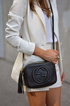 The Gucci Soho and Disco cross-bodies are all the hype right now Gucci  Crossbody c70838be378dc