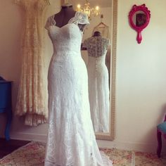 Vestido de noiva em renda renascença a pronta entrega modelo Ariel.  Todo feito a mão levou cerca de 1 ano e 2 meses para confecção.