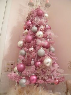 Plush Sweetest Christmas Bathroom Decorations For Girl Bedroom With Modern Artificial Christmas Tree With Pink Silver White Glittered Baubles And Crystal Garland With White Ribbons!