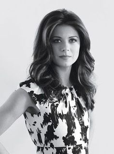 Debra Messing (born August is an American actress. She is widely known for her television roles in Will & The Starter Wife and her current series Pretty People, Beautiful People, Beautiful Women, Cleft Chin, New York City, Popular People, Famous People, Debra Messing, Black And White People