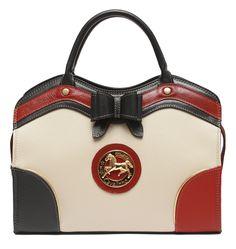 Consiga o look perfeito com uma mala Cavalinho! Get the perfect look with a Cavalinho handbag! Ref: 1030010 #cavalinho #cavalinhoficial