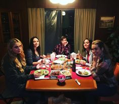 Yassssssssssssssss my wayward daughters! Wayward Daughters, Claire Novak, Supernatural Memes, Super Natural, Crazy People, Nerd Geek, Destiel, Superwholock, Best Shows Ever