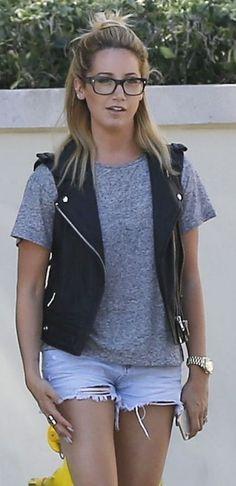 Ashley Tisdale grey tshirt