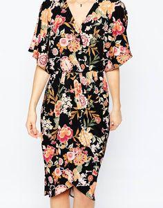 Bild 3 von ASOS – Anschmiegsames Kimono-Midikleid