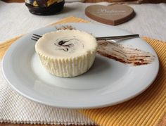 Tvarohový cheesecake s povidly a skořicí Cheesecake Cupcakes, Food Inspiration, Food And Drink, Yummy Food, Meals, Baking, Breakfast, Sweet, Blog