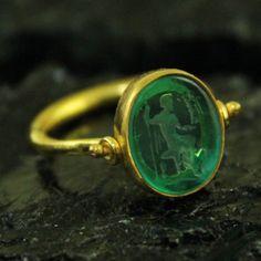 Hammerede-Designer-Intaglio-Venetian-Glass-Ring-22K-Gold-over-Sterling-Silver