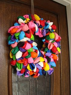 Balloon wreath for parties.