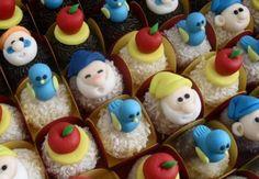 Princess Birthday, Baby Birthday, Birthday Parties, Birthday Cake, Schnee Party, Snow White Cake, Snow Party, Snow White Birthday, White Cakes