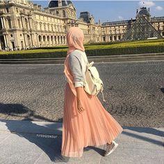 "2,010 Likes, 3 Comments - ﷽ (@hijabiselegant) on Instagram: ""@firdawsnour #hijabiselegant"""