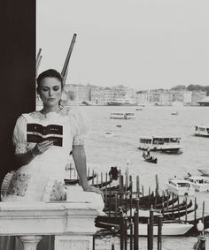 Keira Knightley at the opening of the #CULTURECHANEL Exhibition #LaDonnaCheLegge at the #CaPesaro in Venice