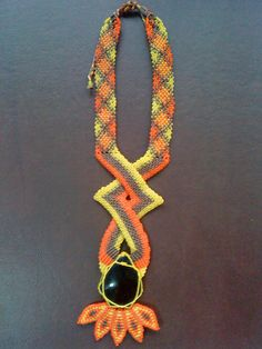 collar con obsidiana by Diego Cortes, via Flickr