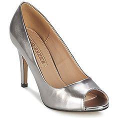 Mestarillinen materiaalien ja yksityiskohtien käyttö,niistä on koottu tämä korkokenkä merkiltä Buffalo. Tässä kengässä on hurmaava tekokuituvarsi hopeana. Sen 9cm korkuinen korko määritellään jumalallisen korkeaksi ja se todella miellyttää meitä.   Klassinen ja niin chic! - Väri : Silver - kengät Naiset 50,99 €