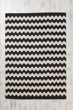 Zigzag Rug  #UrbanOutfitters  I need a new one of these.  Mine got too dirty right by our entry :(