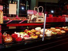 le citadin lausanne - Recherche Google Lausanne, Restaurant, Table Decorations, Google, Home Decor, Decoration Home, Room Decor, Diner Restaurant, Restaurants
