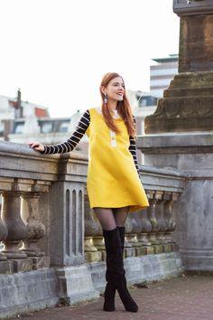 Mod Dress Outfit | Twiggy-ing on a Windy Day - Retro Sonja Fashion Blogger - www.retrosonja.com