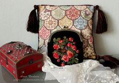 """Купить Косметичка """"Соловей и розы"""". Ручная вышивка - черный, цветочный, вышивка, ручная вышивка"""