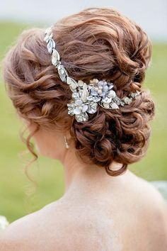 Wedding hairstyle idea Via Rothweiler Event Design