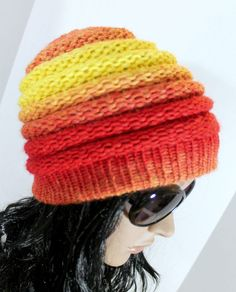 Ombre Beanie Pattern - Free Loom Knit Hat Pattern for Extra Large 40 - 41 Peg Round Knitting Looms. Easy Step by Step Video Tutorial Great for Beginners