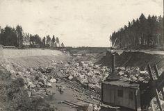 Lanforsens #kraftverk började byggas 1919 av vattenrallare som hade hjälp av hästar, kärror och spadar. Construction of Lanforsens #hydroplant began in 1919 by navvies that had help of horses, wheel barrows and shovels.