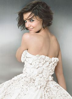 Katie Holmes is the most beautiful examples of using bob hairstyle. Check out this glamorous 20 Katie Holmes Short Bob Hairstyles list and learn how to use. Bob Hairstyles 2018, Short Hairstyles For Women, Katie Holmes, Unordentlicher Bob, Glamour Photo, Glamour Magazine, Short Hair Styles, Hair Makeup, Hair Cuts