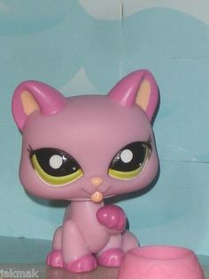 Littlest Pet Shop Lovely Pink Kitty 1745 Cleaning Herself New LPS Cat | eBay Lps Cats, Little Pet Shop, Kylie, Pikachu, Kitty, Cleaning, Game, Pets, Random