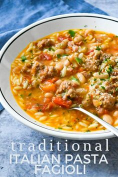 Have you always wanted an easy traditional Italian Pasta Fagioli recipe? This Italian Bean Soup is from an Italian chef! His mirepoix recipe makes it easy. Italian Bean Soup, Italian Beans, Italian Chef, Pot Pasta, Pasta Dishes, Food Dishes, Healthy Italian Recipes, Italian Pasta Recipes, Recipes