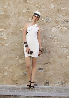 Vestido ombro único com detalhes em botões. Verão 2016 Romariabh #dress #verão16 #white #boton #romariabh