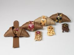 Amazing japanese design – Design is art Dessert Packaging, Bakery Packaging, Cookie Packaging, Food Packaging Design, Packaging Design Inspiration, Brand Packaging, Box Packaging, Food Design, Design Web