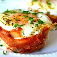 Mini Bacon Egg and Toast Cups