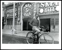 1930s SAN FRANCISCO PLAYLAND AMUSEMENT PARK SKEEBALL w/MAN on BICYCLE~8x10 PHOTO