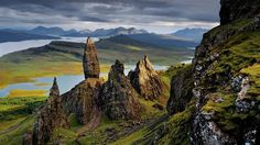 Isle of Skye, Scotland - National Geographic Daily Travel Photo by Jim Richardson. Places In Europe, Places To Travel, Places To See, National Geographic Fotos, Scotland Wallpaper, Beautiful World, Beautiful Places, Voyage Europe, Scottish Highlands