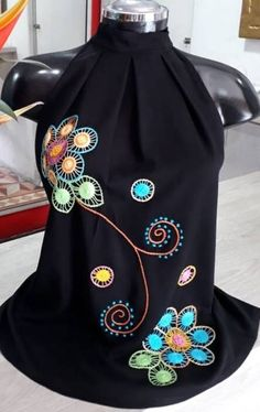 BLUSAS - PRIMAVERAL Bordados y Accesorios Fashion Art, Girl Fashion, Fashion Outfits, Womens Fashion, Simple Style, My Style, Scarf Design, Pakistani Dresses, Halter Neck