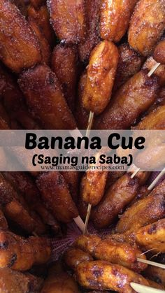 Skewered Cardava Bananas or Banana Que in caramelized sugar. All time favorite afternoon snack of Filipinos. Fried Banana Recipes, Spicy Recipes, Steamed Pork Dumplings, Pao Recipe, Filipino Recipes, Filipino Desserts, Filipino Dishes, Filipino Street Food, Shawarma Recipe