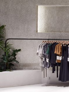 Men and women's fashion brand Kloke has seen success mirror its growing collection, opening a second flagship store in Melbourne's CBD. Clothing Store Interior, Boutique Interior, Shop Interior Design, Retail Store Design, Retail Shop, Retail Interior, Pop Up Shops, Retail Space, Art Deco
