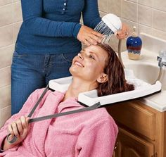Safety Contoured portable salon at home Shampoo hair washing salon sink tray in Health & Beauty, Salon & Spa Equipment, Backwash Units & Shampoo Bowls Home Beauty Salon, Home Hair Salons, Beauty Room, Salon At Home, At Home Salon Station, Beauty Salons, Hair Stations, Salon Stations, Anti Dandruff Shampoo
