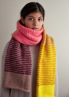 Stripey Tube Scarf – Knitting patterns, knitting designs, knitting for beginners. Chunky Knit Scarves, Striped Scarves, Crochet Scarves, Knit Crochet, Knitting Scarves, Knit Cowl, Crochet Granny, Striped Knit, Hand Crochet