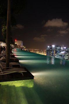 Infinity pool. Marina bay sands, Singapore