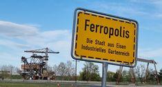 Lost Places der Industriekultur - Ferropolis - Burgdame Himmelsscheibe Von Nebra, Metal Festival, Lost Places, Museum, Futuristic Names, Steel Sculpture, Steel Mill, Museums