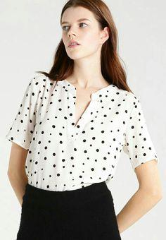 169 kr Polka Dot Top, Women, Fashion, Outfits, Moda, Fashion Styles, Fashion Illustrations, Woman