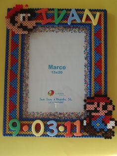 Photo frame Mario hama beads by vanesuki2010 - pelillosuki