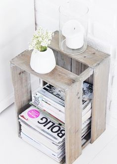wooden crate re-purposed magazine storage Simple Bedside Tables, Decor, Bedside Table Diy, Diy Home Decor, Cheap Home Decor, Home Diy, Magazine Storage, Diy Déco, Home Decor